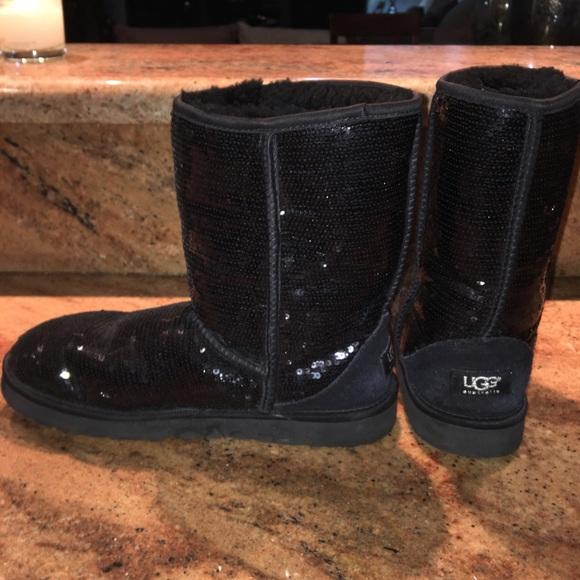 bba9f434ce1 Ugg Classic Short Glitter Boot